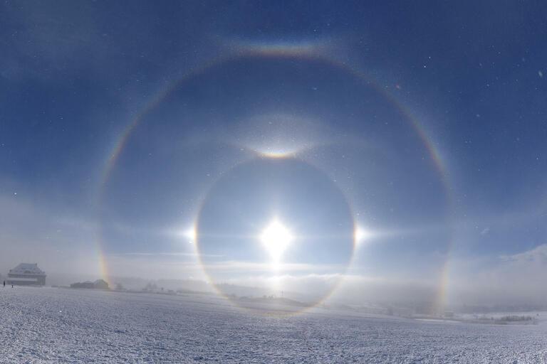 Kevin Förster with 'Stunning Ice Crystal Halo Phenomenon'